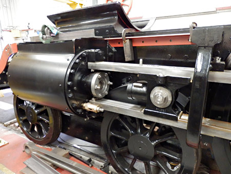 Atlantic Cylinder with cladding, crosshead and bogie splasher - Fred Bailey - 24 August 2014