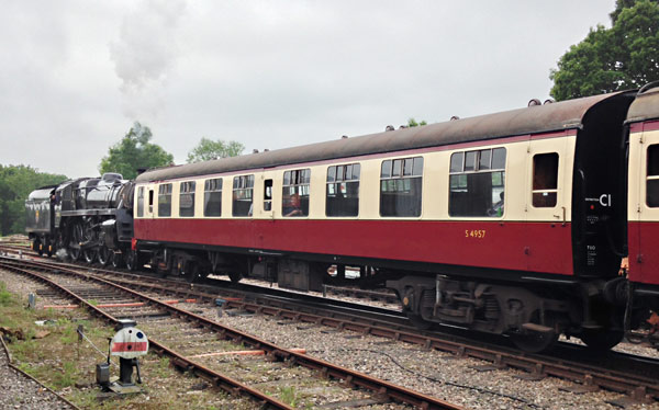 No.4957 after repaint to Carmine and Cream - Richard Salmon - 4 June 2016