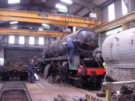Sir Archie's boiler lifted into place - 11 June 2008 - John Fry