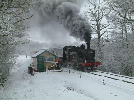 Birch Grove departing from Kingscote in snow - 6 April 2008 - David Chappell