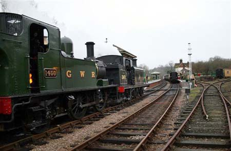 1450 and 32473 at Kingscote - 19 Jan 2008 - Nick Talbot