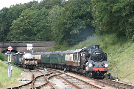 80151 approaches Horsted Keynes - 30 July 2009 - Tony Sullivan