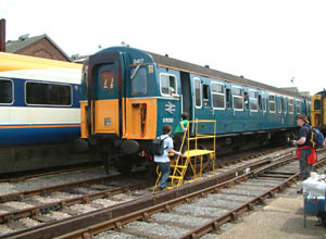 Vep welcomes visitors at Eastleigh - 23 May 2009 - David Chappell