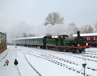 C-class No.592 arrives at Horsted Keynes - David Chappell - 19 Dec 2010