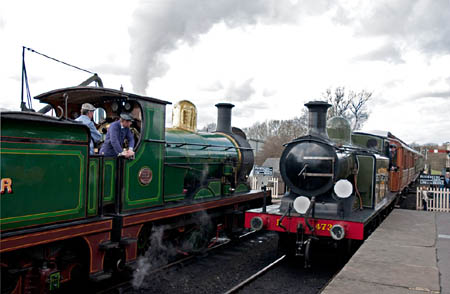 E4 and C at Sheffield Park - Martin Lawrence - 3 April 2010