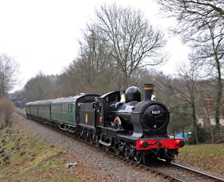 GWR No.9017 'Earl of Berkeley' with four Bulleid coaches at Mill Place - Derek Hayward - 12 March 2011