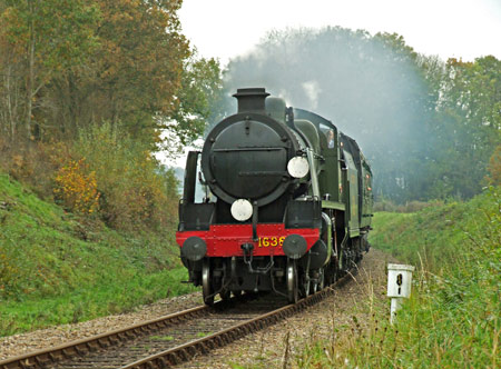 U-class with Bullleid coaches - Ashley Smith - 5 November 2011