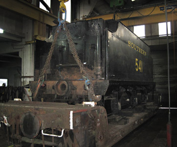Q-class tender lifted from wheels - Lewis Nodes - 18 Sept 2011