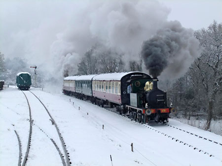 178 leads the train through the snow - Andy Prime - 5 February 2012