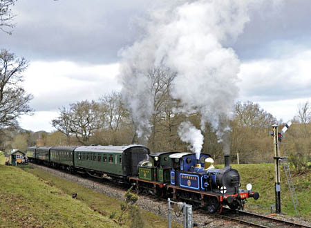 323 and 178 passing the down advance starter at Kingscote - Derek Hayward - 21 January 2012