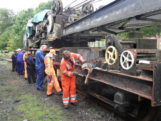 9F Club preparing the steam crane for repainting - Steve Booth - 16 Sept 2012