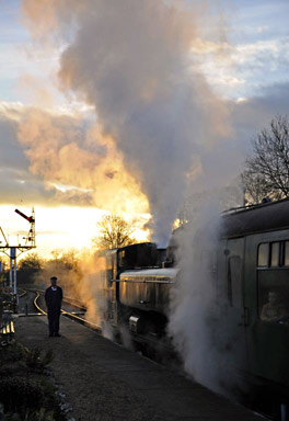 Pannier tank with Santa Special at Horsted Keynes - Derek Hayward - 8 December 2012