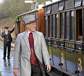 Victorian Christmas train departure - Derek Hayward - 21 December 2012