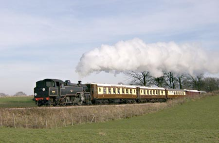 80151 and Christine lead the lunchtime Golden Arrow - Andrew Strongitharm - 4 Feb 2007
