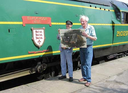 David Shepherd with latest painting in progress, at Sheffield Park - 14 July 2007 - John Sandys