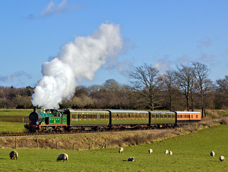 H class No.263 climbing Freshfield Bank - Paul Pettitt - 1 January 2013