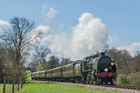 1638 approaches Horsted Keynes with the SR set - Chris Rigby - 28 April 2013