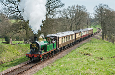 H approaches Three Arch Bridge with Golden Arrow - Chris Rigby - 28 April 2013