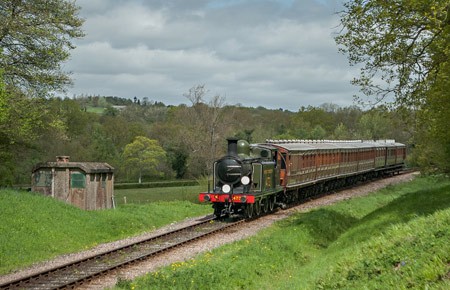 E4 with Victorian coaches - Bernard Clarke - 11 May 2013