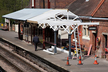 Painting the new canopy at East Grinstead - John Sandys - 10 May 2013