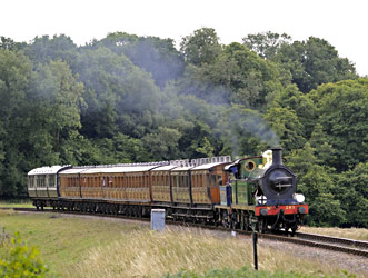 263 and 323 with the Vintage set - Derek Hayward - 10 Aug 2013