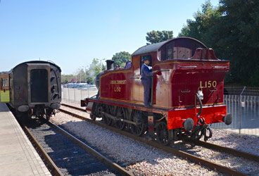 L.150 running round at East Grinstead - Brian Lacey - 27 Aug 2013