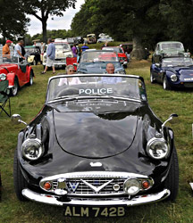Daimler police car - Derek Hayward - 10 Aug 2013