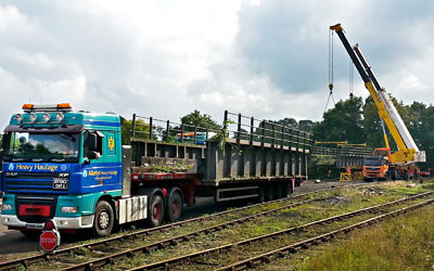 Ex-M50 bridge sections arrive - Martin Lawrence - 2 Oct 2013