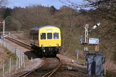 DMU approaches Horsted Keynes from the North - Tony Sullivan - 21 March 2014