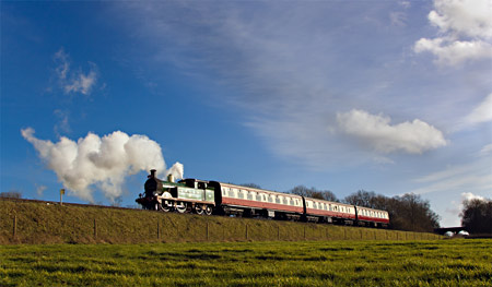 H-class 263 with Wealden Rambler - Paul Pettitt - 22 February 2014