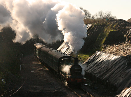 H class heads for East Grinstead - Tony Sullivan - 11 January 2014