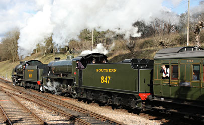 The U and S15 departing from Horsted Keynes - Steve Lee - 23 March 2014