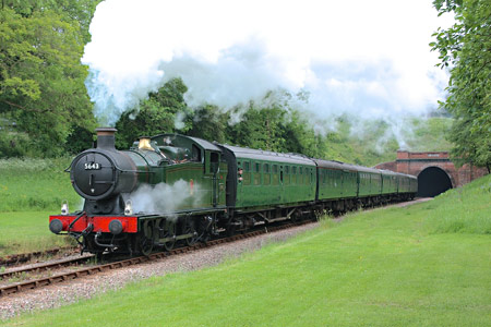5643 on Bank Holiday service - Steve Lee - 26 May 2014