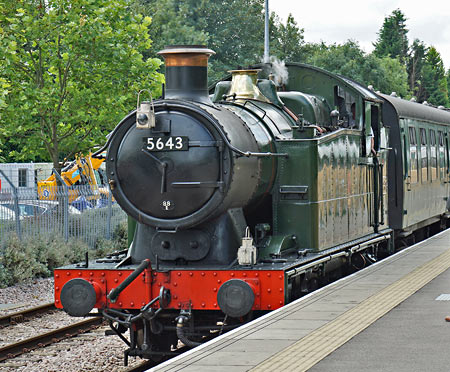 5643 at East Grinstead - Brian Lacey - 15 July 2014
