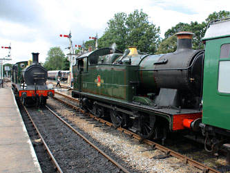 592 and 5643 at Horsted Keynes - Steve Lee - 5 July 2014