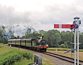 C-class approaches New Road Bridge - Derek Hayward - 5 July 2014