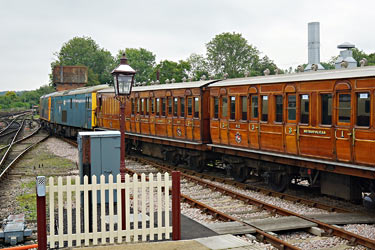 73s with Met coaches at Sheffield Park - Brian Lacey - 27 August 2014