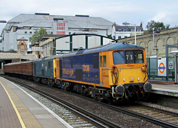 73s with Met coaches at West Brompton - Nicholas Woollven - 27 August 2014
