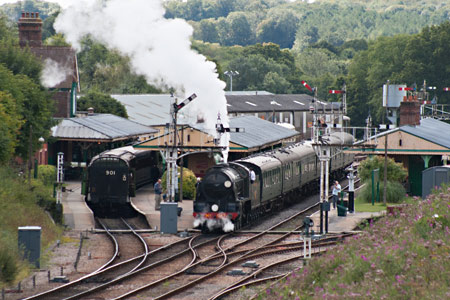 S15 sets off from Horsted Keynes - John Sandys - 21 August 2014