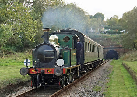 178 with Autumn Tints at West Hoathly - Brian Lacey - 20 October 2014