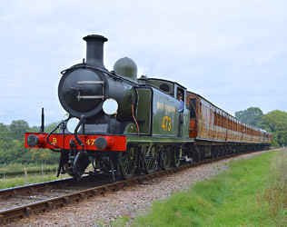 B473 with Victorian train - Steve Lee - 27 Sept 2014