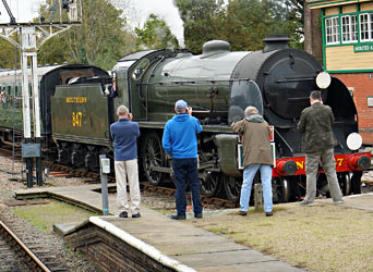 S15 pleases a small gallery of photographers as it enters Hortsed Keynes - Brian Lacey - 25 Oct 2014