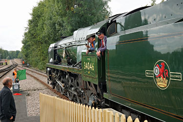 Bluebell pilot-man on board Braunton at East Grinstead - Brian Lacey - 2 Oct 2014