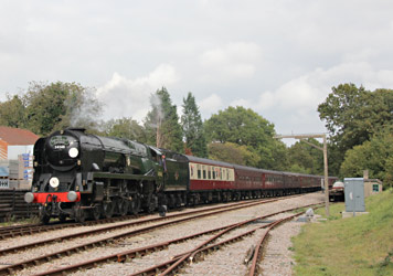 Braunton brings its tour into Kingscote - Tony Sullivan - 2 Oct 2014