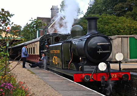 E4 pauses at Horsted Keynes - Richard Farrant - 21 September 2014