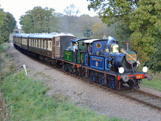 Ps with Pullman train - Steve Lee - 19 Oct 2014
