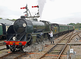 S15 arrives at Horsted Keynes - Brian Lacey - 20 Sept 2014