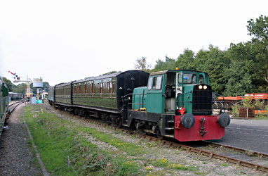 Sentinel shunting at Horsted Keynes - Brian Lacey - 15 Sept 2014