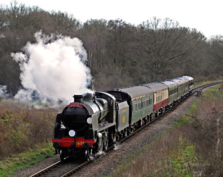 U-class with Santa Special at Medhurst Farm - Derek Hayward - 20 December 2014