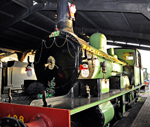 Adams Radial decorated for Christmas - Derek Hayward - 3 December 2014